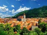 București și Brașov, printre primele 21 cele mai ieftine destinații de călătorie în 2017 recomandante de Forbes