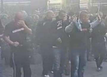 București - VIOLENŢE între suporterii maghiari şi jandarmi. Jandarmeria a intervenit în forţă