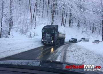 BULETINUL RUTIER - Circulaţia este asigurată pe toate sectoarele de drum din Maramureş, carosabilul fiind negru şi umed