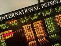 BURSA: Cotaţia petrolului continuă să crească din cauza situaţiei din Siria