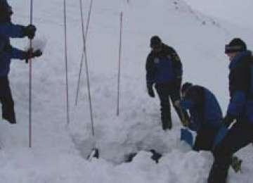 Cadavrul unei femei, găsit de o patrulă de jandarmi montani în Sinaia