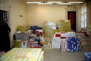 Captură record de țigări de contrabandă - container cu peste 160.000 de pachete de țigări descoperit în Harghita