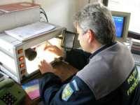Carte de identitate românească falsă depistată la frontieră