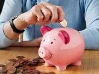 Cât economisesc românii în fiecare lună. RAPORT privind economisirea la nivel european