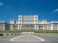 Cât ne costă întreținerea Palatului Parlamentului?