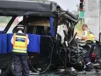 Cauza accidentului din Ungaria, în care trei romani au murit iar șase au fost răniți, ar fi că șoferul microbuzului a adormit la volan. O persoană decedată este din Sighet
