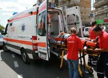 Cavnic: Două femei au fost lovite de maşină pe trotuar