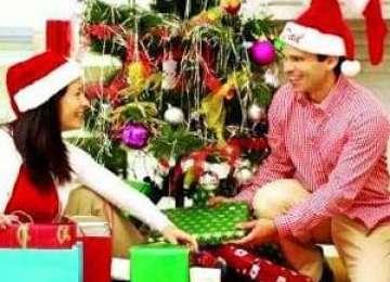 Ce cadouri își doresc românii să găsească anul acesta sub bradul de Crăciun