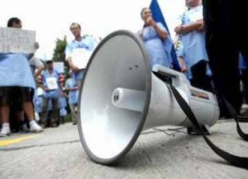 Ceferiştii protestează joi în faţa Ministerului Transporturilor