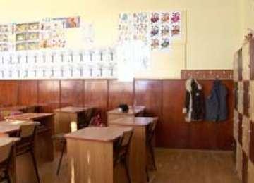 Circa 35% dintre școlile din Maramureș nu sunt autorizate sanitar