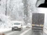 Circulație în condiții de iarnă în județul Harghita. Traficul este îngreunat