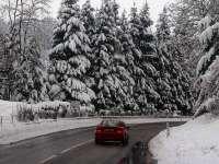 Circulație rutieră în condiții de iarnă pe drumurile naționale din Maramureș