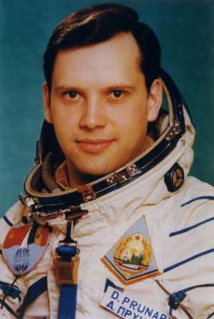 Cluj Napoca: Cosmonautul Dumitru Prunariu a primit titlul de Doctor Honoris Causa al UBB