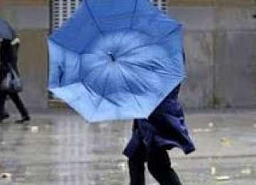 Cod galben de ploi și vijelii în Maramureş şi alte 21 de judeţe, începând de sâmbătă seara