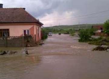 Cod Roșu de inundații până vineri la ora 14:00.Află care sunt judeţele vizate