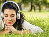 CONCLUZII: Muzica ar putea să influenţeze negativ memoria
