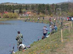 Concurs de pescuit pe Balta de la Satulung. Aflaţi când