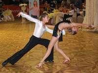 """Concurs Naţional de Dans sportiv Cupa """"Chris Teens"""" la Sighetu Marmaţiei"""