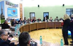 Consilierii județeni s-au mutat într-o sală de ședințe nouă