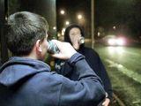 Consumul de alcool în rândul minorilor, foarte ridicat; românii încep să bea de la 14 ani