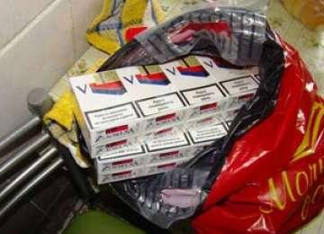 Contrabandă cu ţigări la Leordina, depistată de poliţişti