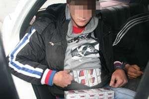 Contrabandişti amendaţi şi ţigări confiscate de poliţiştii maramureşeni
