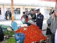 CONTROALE: Comercianţii din municipiile Baia Mare şi Sighetu Marmaţiei, verificaţi de poliţişti