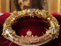 Coroana de spini a lui Iisus este expusă la București