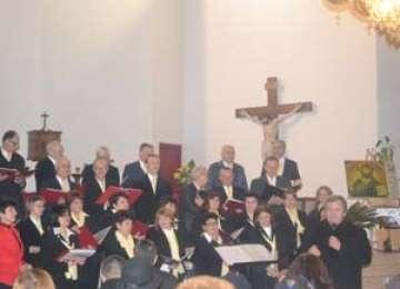 """Corul """"Cristos Rege"""" din Sighet a participat la Festivalul de muzică religioasă organizat la împlinirea a 160 de ani de la întemeierea Eparhiei Greco-Catolice de Cluj-Gherla"""