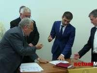 Cosmin Butuza şi Mircea Man au renunţat la funcţiile de consilieri judeţeni