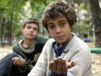 Covasna - Măsuri drastice împotriva cerșetoriei; autoritățile propun decăderea din drepturi a părinților care trimit copiii la cerșit