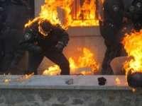 CRIZA DIN UCRAINA SE AMPLIFICĂ: Patru oameni au murit în schimburi de focuri la Mariupol