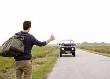 Cu ce se ocupă aleșii noștri - Autostopul ar putea fi interzis prin lege
