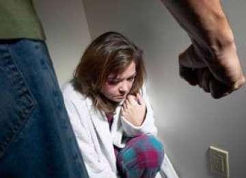 Cu doar câteva zile înainte de Crăciun, un bărbat din Maramureş i-a scos ochii soţiei. Acesta a fost arestat preventiv