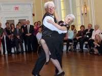 Dansul este benefic pentru sănătatea inimii și a creierului