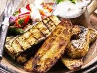 DE SEZON: Legume la grătar cu sos de brânză