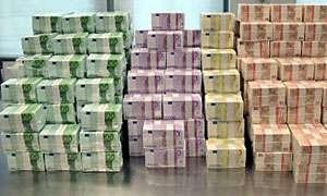 Delapidare de peste 450.000 euro - percheziții la membrii unei grupări infracționale