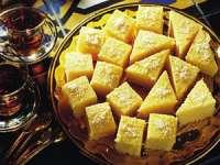 Delicios - Prăjitură cu iaurt și sirop de lămâie