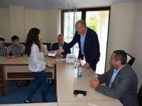 Deputatul Nuțu Fonta a oferit zece tablete pentru zece elevi de nota 10 din Borșa