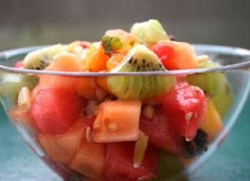 Desertul zilei: Salată de fructe de sezon