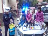"""DESPRE MESERIA DE POLIŢIST în """"Săptămâna Meseriilor"""" la Grădinița """"MICUL PRINŢ"""""""