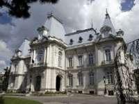"""Destinații mirifice - Palatul """"Jean Mihail"""" din Craiova, cea mai somptuoasă clădire din Oltenia"""