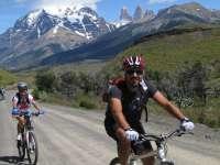 Doi maramureșeni au făcut turul Europei pe bicicletă