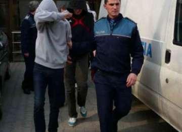 Doi tineri din Sighetu Marmaţiei au fost puşi după gratii de poliţiştii Biroului de Investigaţii Criminale