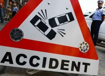 Două accidente şi trei persoane rănite ieri în Maramureş