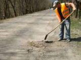 Drumarii vinovați pentru plombările defectuoase realizate pe Valea Ruscovei au fost sancţionaţi