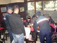 Elevi depistați în baruri de către polițiștii maramureșeni, în timpul orelor de curs