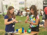 Elevii din întreaga ţară vor participa în perioada 7-11 aprilie la activități extracurriculare, conform programului Școala altfel
