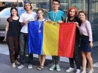 Elevii români au obținut două Medalii de Argint la Olimpiada Internaţională de Lingvistică