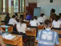 Elevii și preșcolarii au început azi cursurile